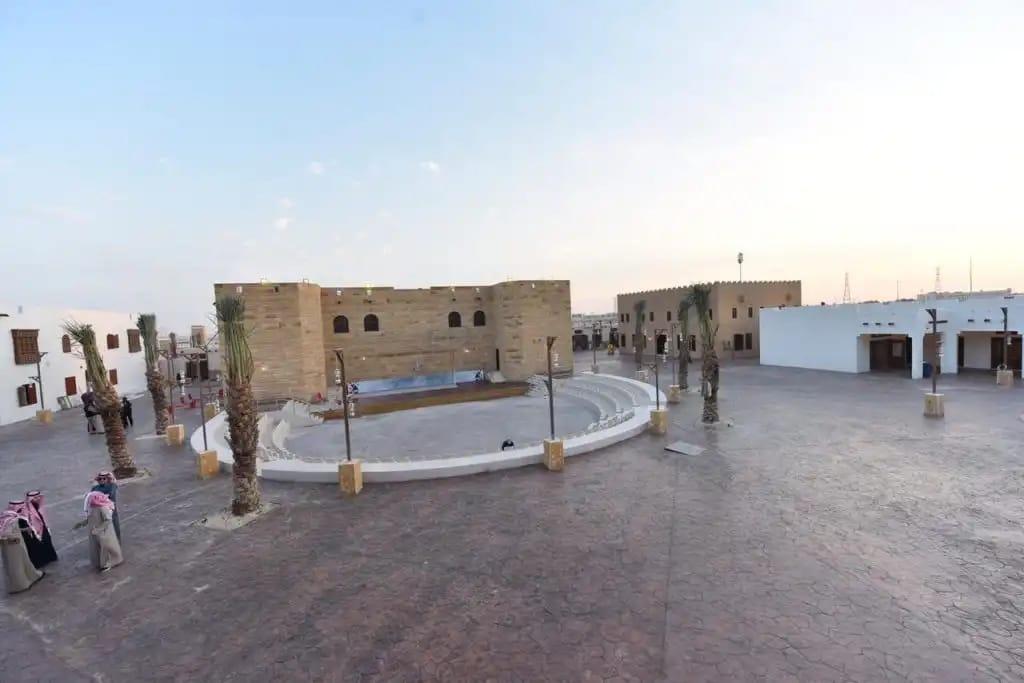فهد بن سلطان يشرف على قرية تبوك التراثية في الجنادرية33