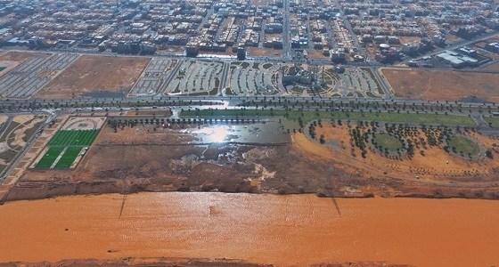 نقل تبوك يستنفر طاقاته لإزالة مخلفات الأمطار في المنطقة