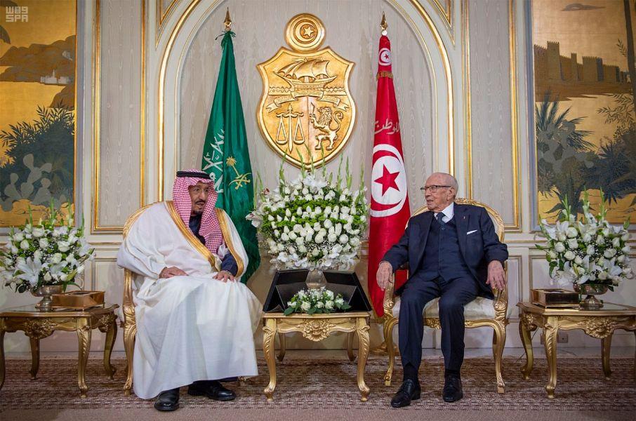 خادم الحرمين الشريفين والرئيس التونسي يعقدان جلسة مباحثات