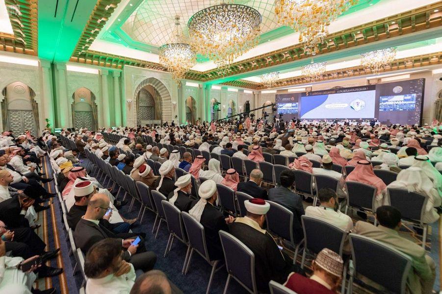أمين عام منظمة التعاون الإسلامي يشدد على أهمية الاعتدال لمواجهة مخاطر الغلو والتطرف