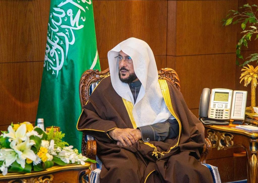 آل الشيخ يوجه بتخصيص خطبة الجمعة عن الاجراءات الاحترازية لفيروس كورونا
