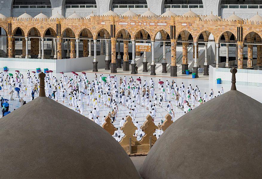 وزارة الحج تعلن نجاح خطة تفويج الحجاج إلى منى والحرم المكي
