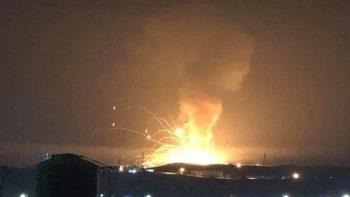 انجار في مستودع للذخيرة في مدينة الزرقاء الأردنية