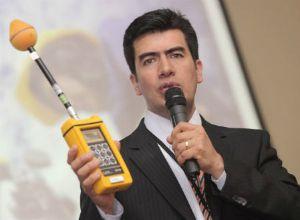 Director de la ANE Agencia Nacional del Espectro, Oscar León, presentó el Sistema Nacional de Monitoreo de Antenas y Salud, el más grande sistema de monitoreo de campos electromagnéticos de Latinoamérica.