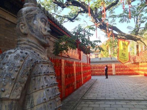 """En China instalan malware en los teléfonos de los turistas para buscar archivos """"prohibidos"""""""