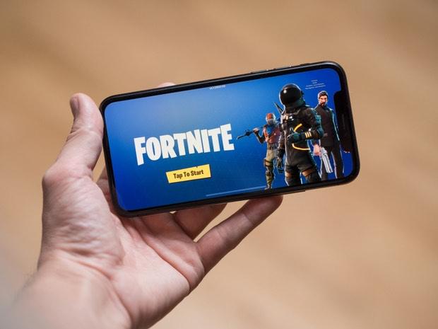 Revenden iPhone con Fortnite preinstalado a 5 mil dólares