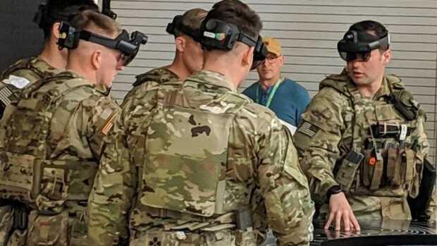 La realidad mixta llega al campo de batalla - Imagen vía Armada EE.UU Soldados usando el sistemas IVAS, una versión modificada de los HoloLens 2