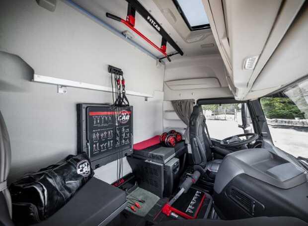 Iveco Fit Cab - Cabina de camión que se convierte en gimnasio