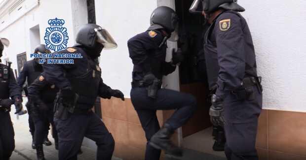 Policía Nacional desmantela en Barcelona dos grupos de ciberestafadores