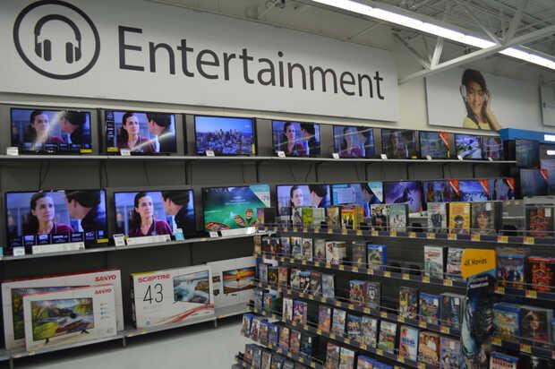 No más videojuegos violentos en los monitores de Walmart pero seguirán vendiendo armas