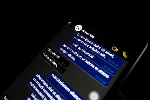 Activa el modo oscuro de WhatsApp en Android