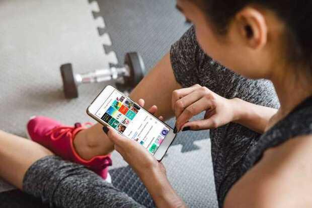 Google Podcasts agrega descargas automáticas y alertas de episodios