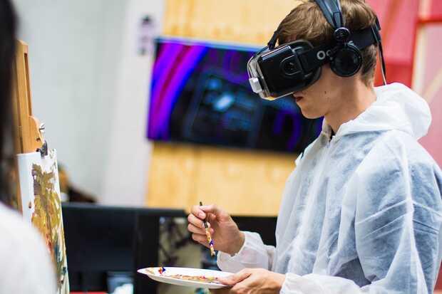 Las realidades virtual y aumentada siguen siendo una prioridad para los gigantes tecnológicos