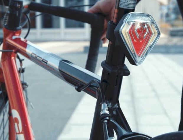 Luz trasera inteligente para bicicletas quiere ser un escudo de protección para el ciclista