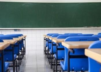 O novo texto das prefeituras mantém a capacidade de alunos em 30% nas escolas públicas e privadas