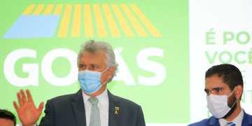 """Governador Ronaldo Caiado no lançamento do Sinaliza Goiás: """"Até o fim do nosso mandato, todos os 246 municípios estarão 100% atendidos pelo programa"""" (Foto: Wesley Costa/ Governo de Goiás)"""