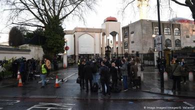 Photo of مؤذن مسجد لندن بعد حادث الطعن: سامحتُ مَن هاجمني