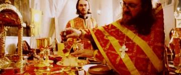 Ce folos primeşte sufletul când îl pomeneşte preotul la Sfânta Proscomidie?