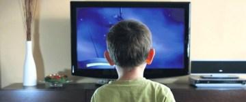 Дети-и-телевизор-–-в-теории-эта-тема-вызывает-массу-споров