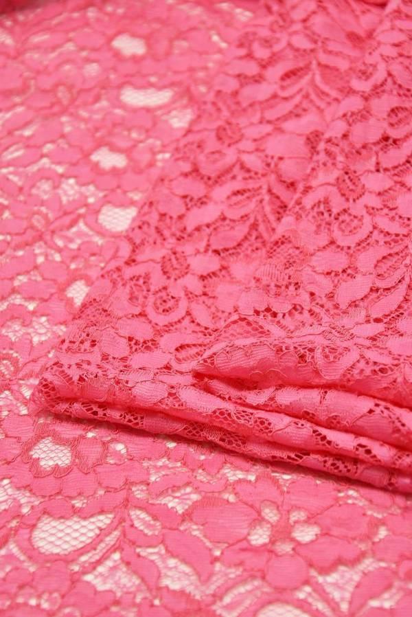 Кружево сутажное ярко-розовое с цветочным узором_01