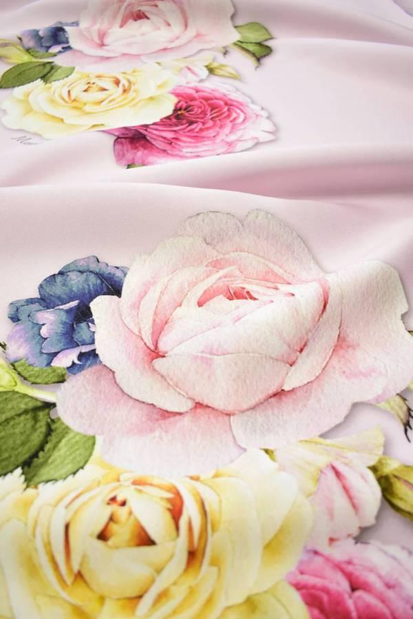 Микадо с розами на светлом фоне_02