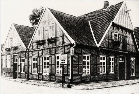 -56- Eckhaus Clemens-August-Straße/Lange Straße, Gaststätte Assmann Gaststätte mit Kolonial- und Drogeriewarenladen, später Wehebrink