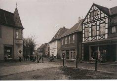 -146- rechts Haus Dünnebacke, dann zweimal Hönemann