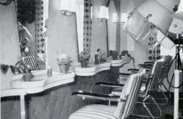 -214- Innenansicht Damensalon Lüske