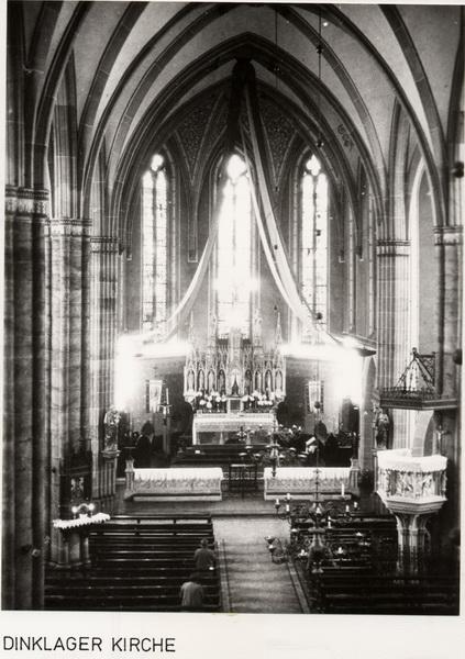 -29- Kircheninneres