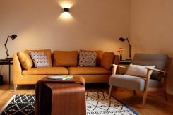 Stühle und Couch