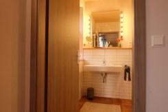 Blick ins große Badezimmer