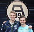 Trainer Alexander Vogt und Marcel Koziel (r.)