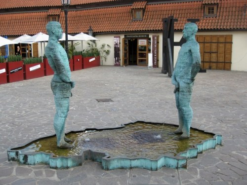 The-Worlds-Most-Bizarre-and-WTF-Statues-0016