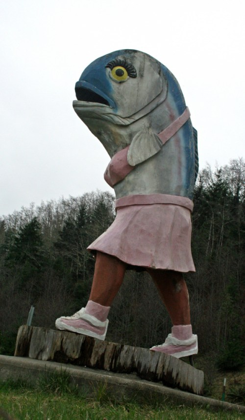 The-Worlds-Most-Bizarre-and-WTF-Statues-0020