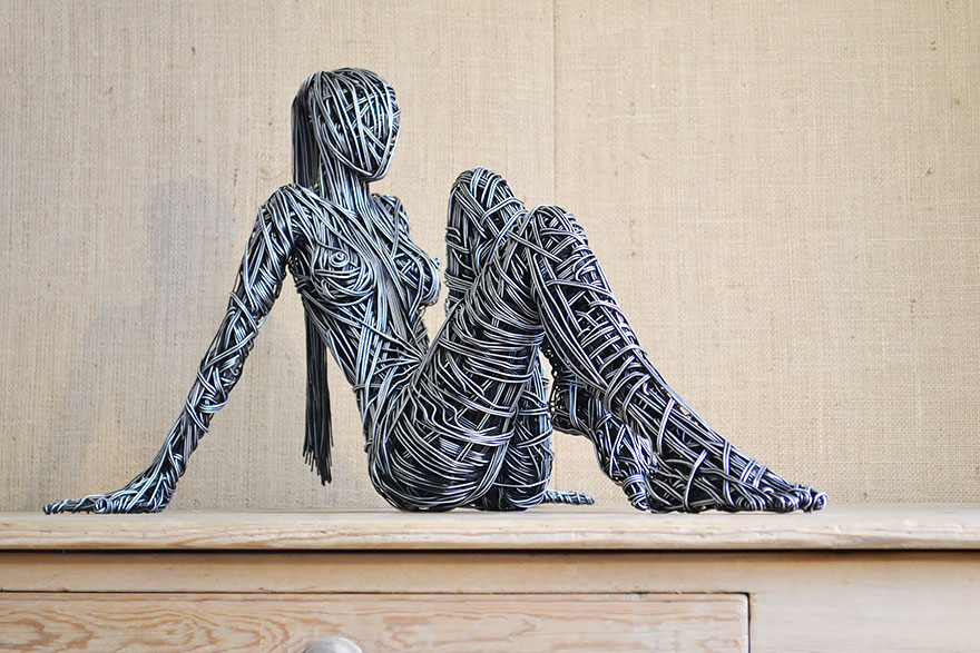 Stunning Wire Sculptures Capture The Movement Of The Human Body