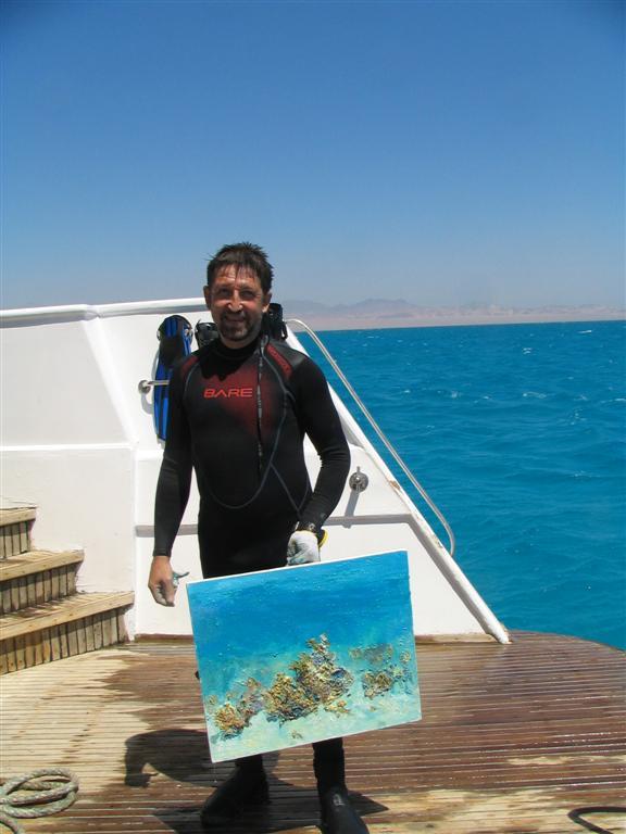 Guinness World Record Breaker Alexander Belozor Paints Underwater - 15