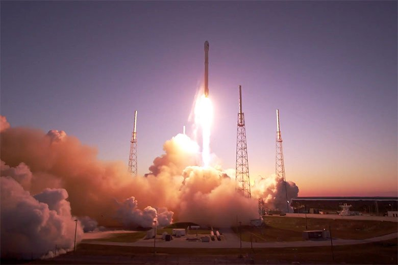 Rocket launches in ultra-high definition