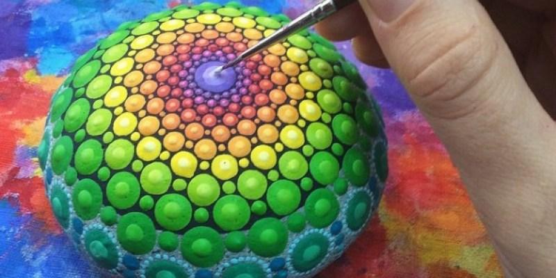 Stone Art Mandala – Elspeth Mclean Canada 2