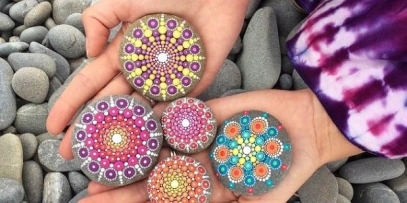 Stone Art Mandala – Elspeth Mclean Canada 5