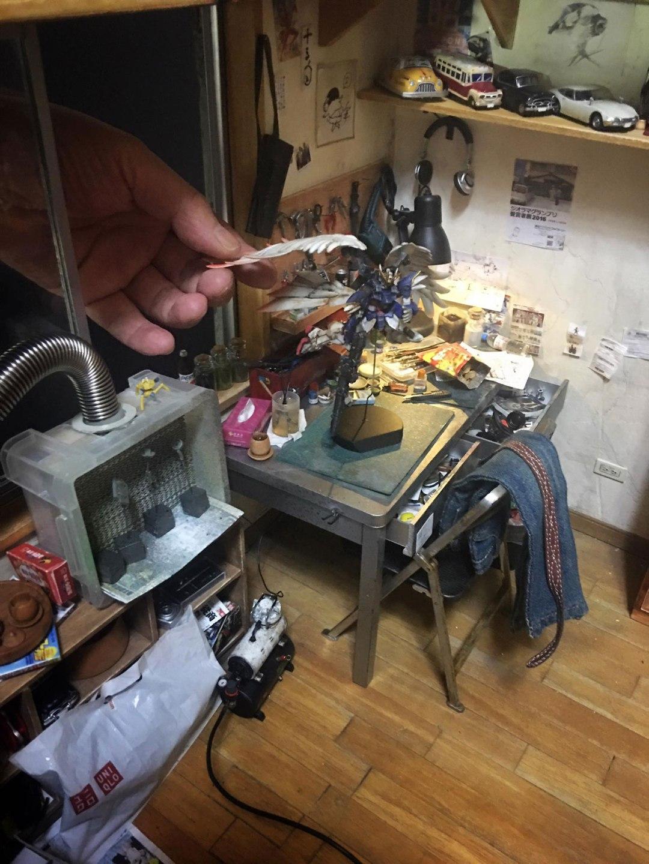 ARTIST MAKES MINIATURE MODEL OF HIS ROOM 28