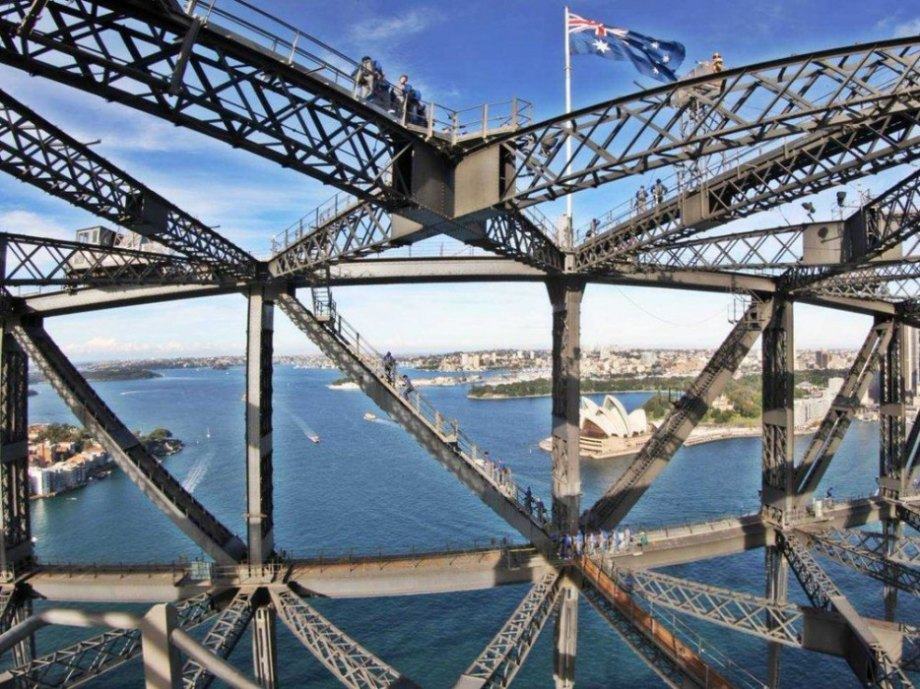 Opened in 1932, the bridge overlooks Port Jackson. Those daring enough can ascend the 440 foot high bridge and walk atop it.
