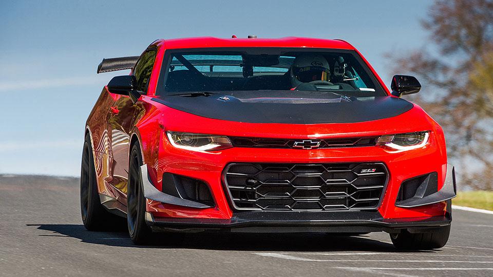 2018-Chevrolet-Camaro-ZL1-1LE-flipper