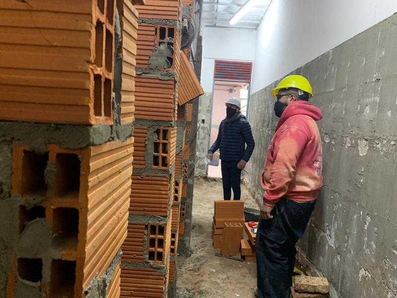 La Municipalidad de Escobar realiza obras de mejora edilicia en 11 escuelas y jardines públicos del distrito