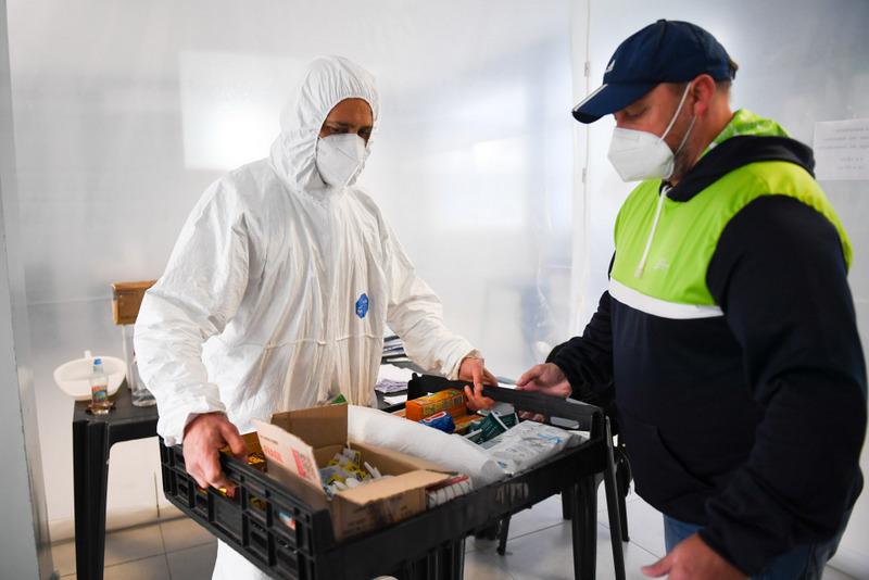 San Fernando, el personal de deportes del Municipio colabora en la asistencia sanitaria durante la pandemia