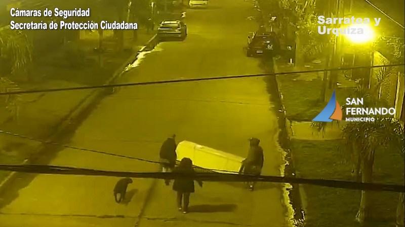 San Fernando,  gracias a las cámaras detuvieron a cuatro personas que robaron una heladera