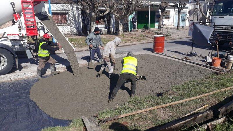 La Municipalidad de Escobar realiza obras de bacheo en Garín y Maquinista Savio
