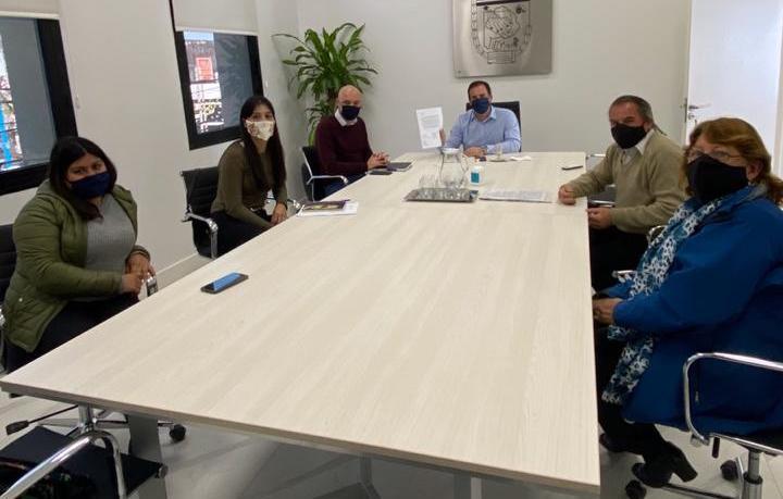 """Ariel Sujarchuk recibió al Foro de Derechos Humanos por el barrio """"La Chechela"""""""