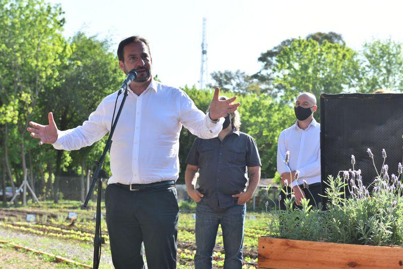 Ariel Sujarchuk entregó certificados y huertas a 50 protectores ambientales del distrito