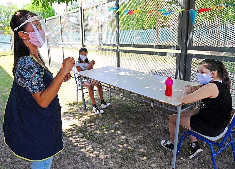 Los CEIM de San Fernando volvieron a las clases con protocolos, grupos reducidos y al aire libre