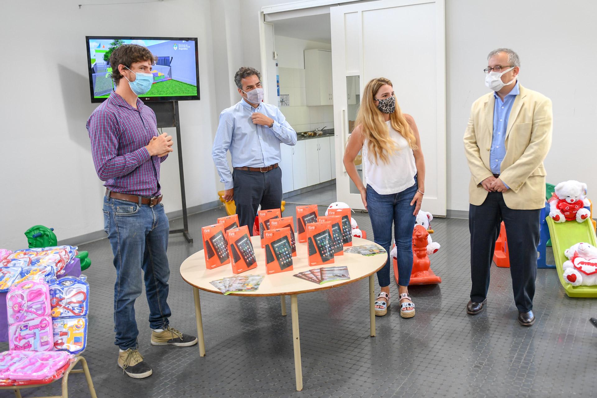 Juan Andreotti recibió a funcionarios del Ministerio de Desarrollo Social por el Programa 'Abrigarte' y una nueva UDI